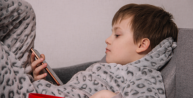 Genius ways to moderate screen time for your toddler Banner
